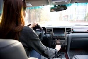 Hypnose-légére-pendant-un-trajet-voiture